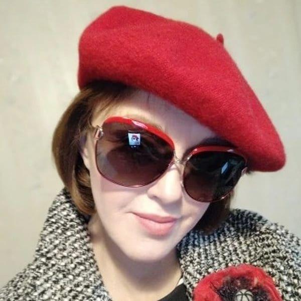 Жіночий вовняний теплий берет - червоний