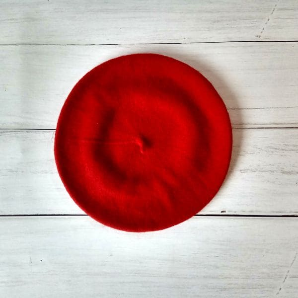 Женский шерстяной теплый берет - красный