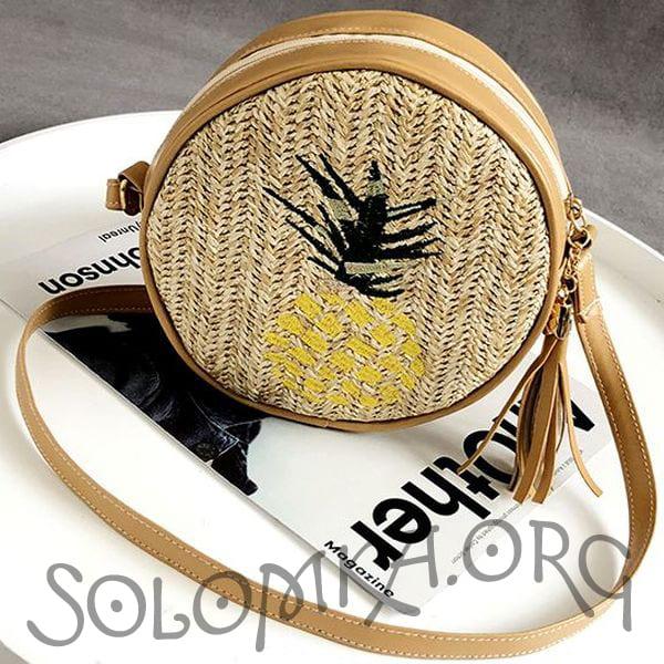 Плетеная сумка с вышивкой ананаса