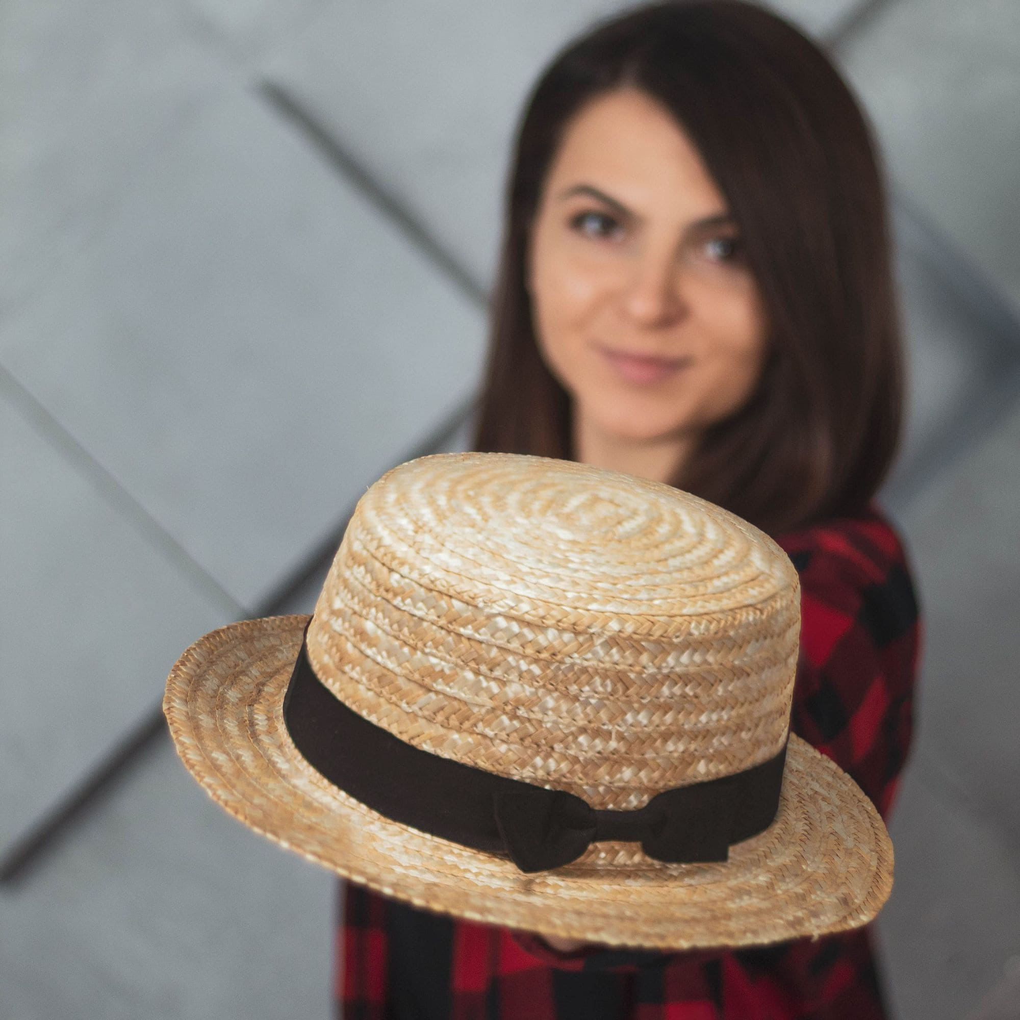 Солом'яний капелюх канотьє з чорним бантом