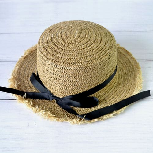 Соломенная шляпка канотье с бахромой
