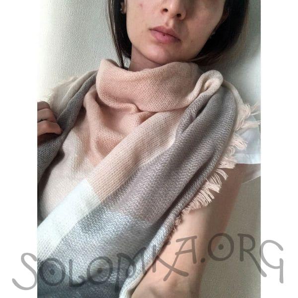 Бежево-сірий дизайнерський шарф плед для жінок
