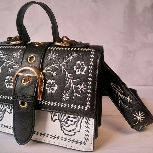 Модна жіноча сумка з квітковим візерунком