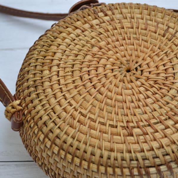 Круглая сумка из ротанга с Бали с узором 18x8 см