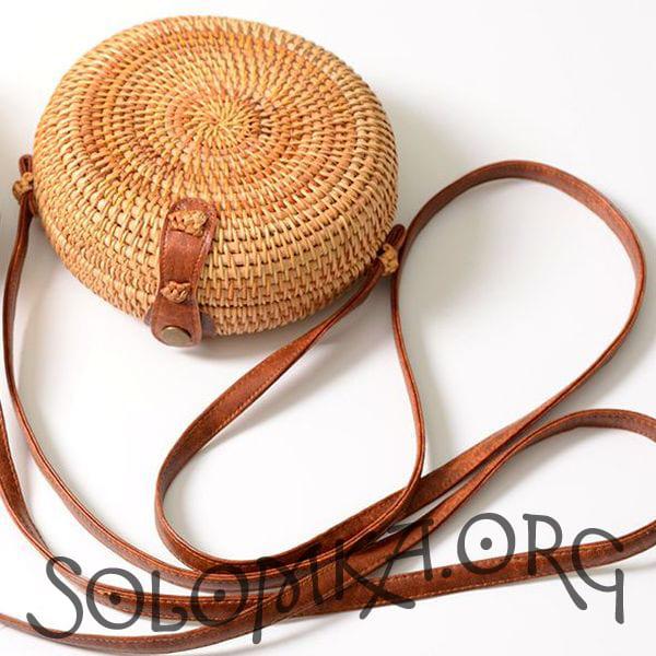 Круглая ротанговая сумочка с Бали без узора 18x8 см