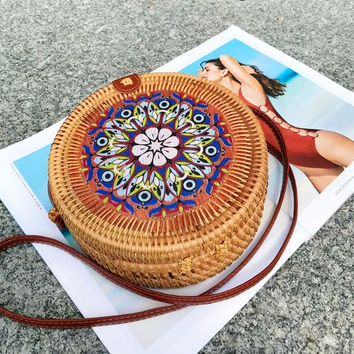 Женская круглая сумка из ротанга с цветочным принтом 20x8 см