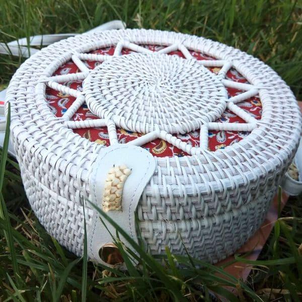 Белая сумка из ротанга с плетеным узором 20x8 см