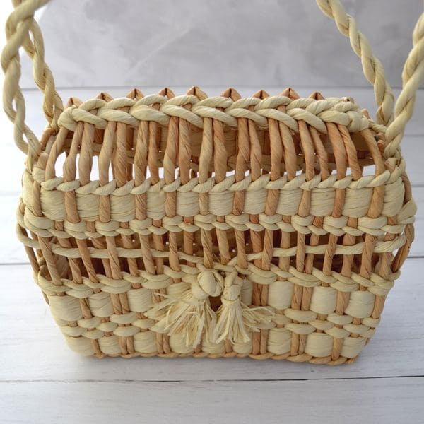 Сумка плетеная из листьев кукурузы ручной работы