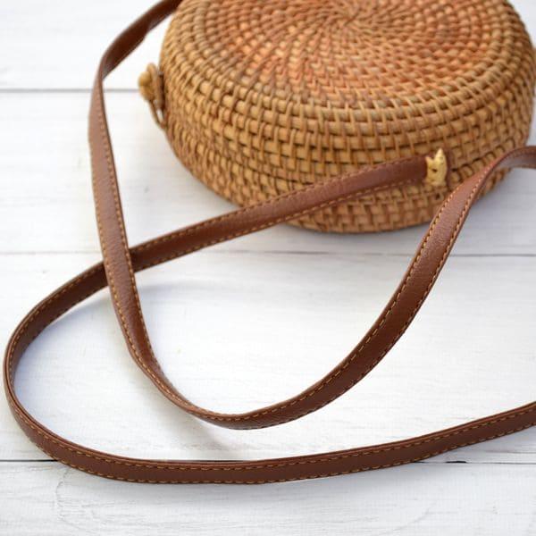 Кругла сумка з ротанга BaliBag із застібкою петлею