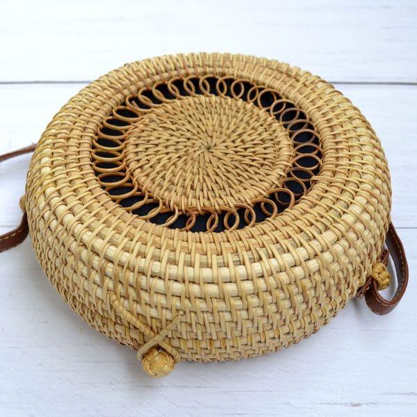 Круглая сумка из ротанга BaliBag с узором с застежкой петлей 18x8 см