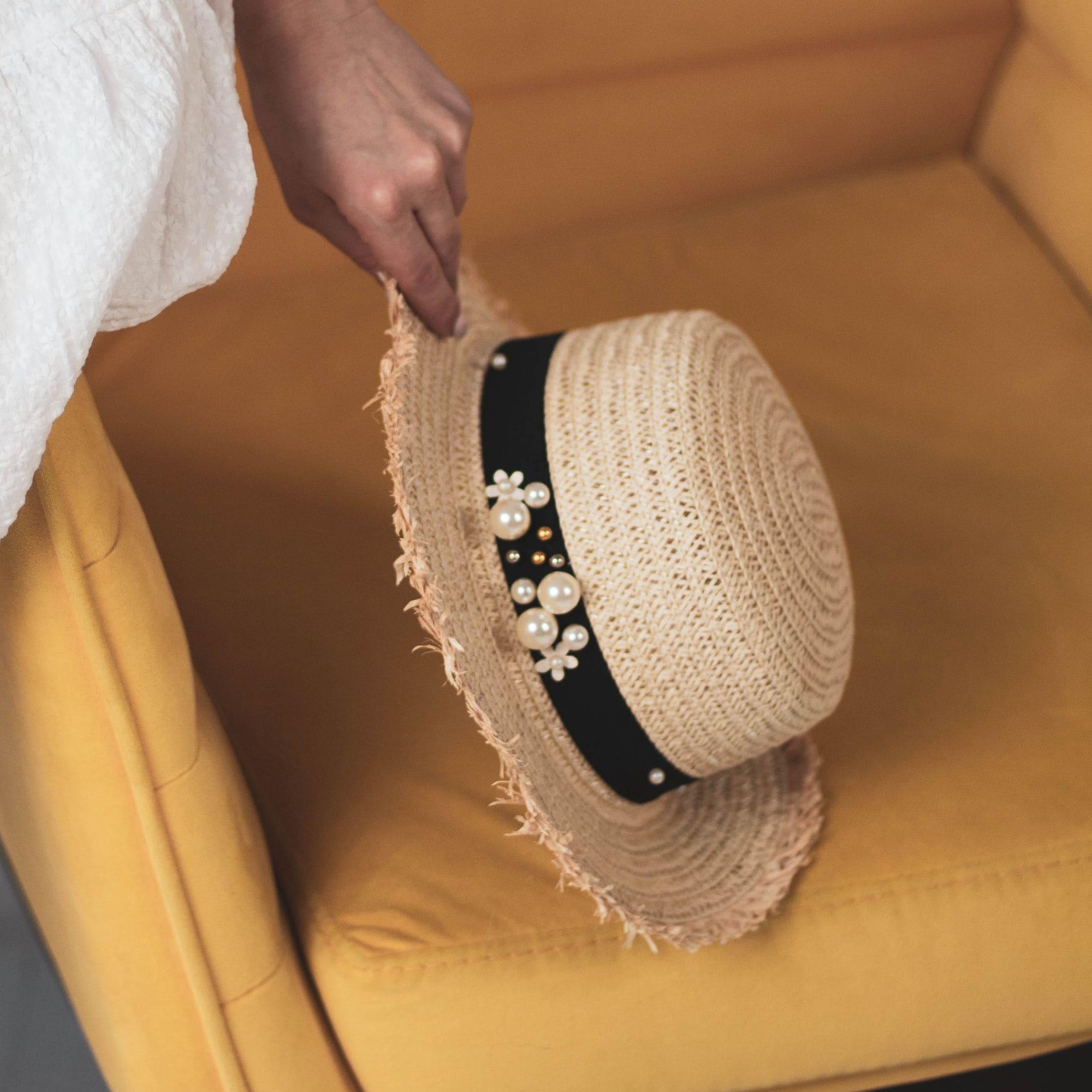 Соломенная шляпа канотье с жемчугом