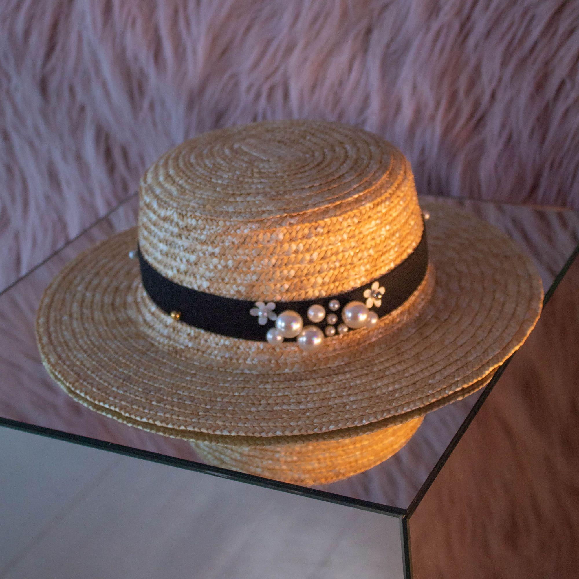 Жіночий солом'яний капелюшок широкополий