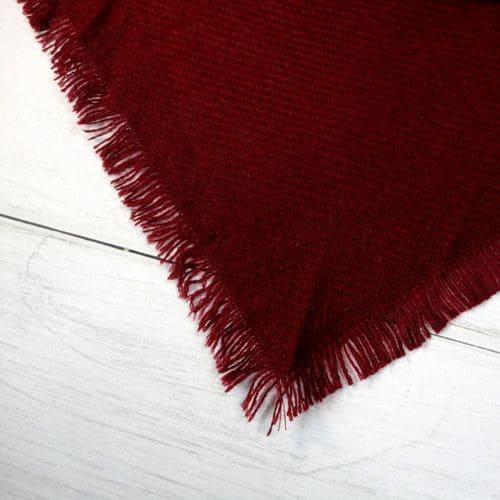 Шарфик плед треугольный красный 140x140x190 см