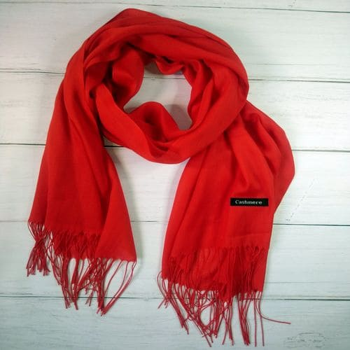 Кашемировый шарф шаль с кисточками красный